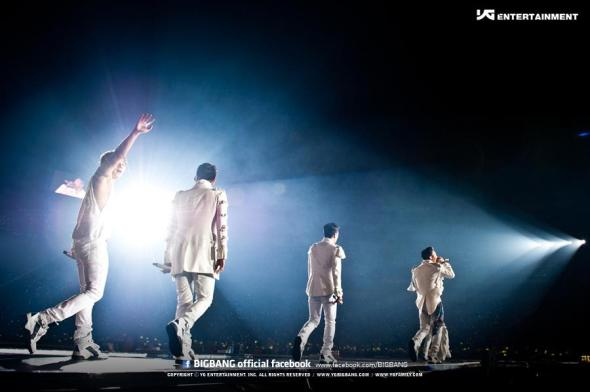 Alive Tour Special Final In Dome (Osaka, Japan) 1