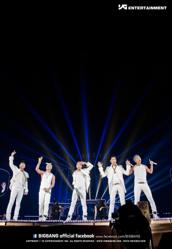 Alive Tour Special Final In Dome (Tokyo, Japan) 3